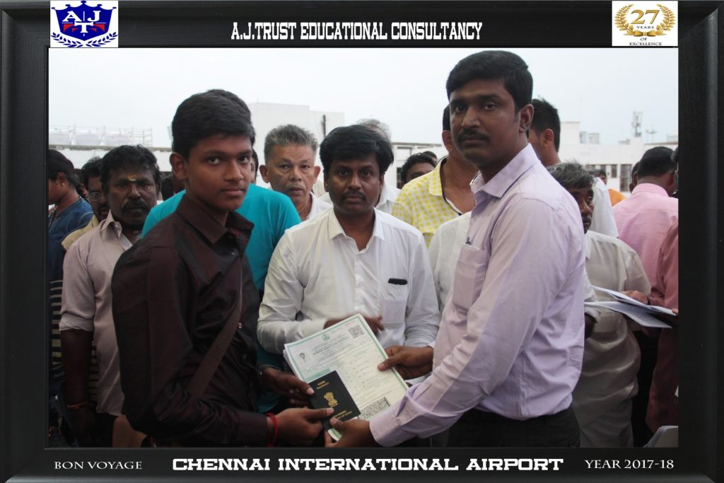 DR.FAHADH HANDING OVER TRAVEL DOCUMENTS TO S.N SURENDER AT AIRPORT